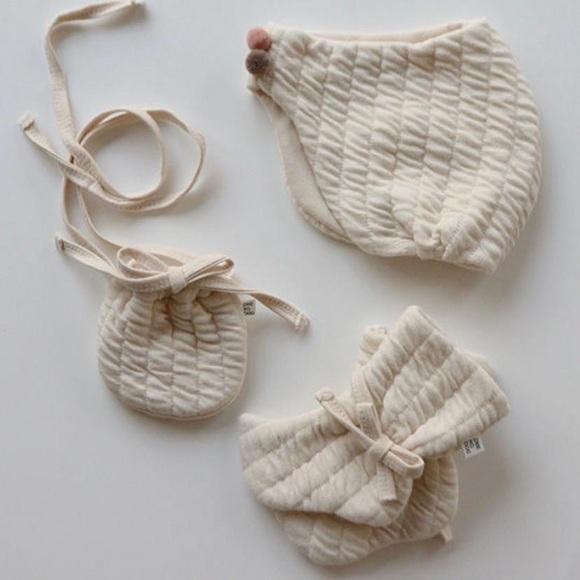 hat, bag, & socks set
